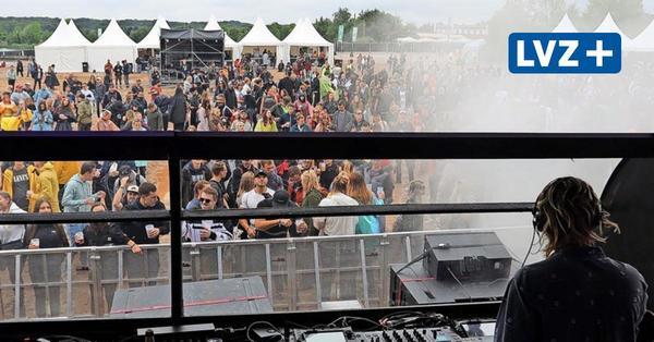 "Think-Festival am Cospudener See: Techno-Fans feiern unter dem Motto ""Was soll's!?"""