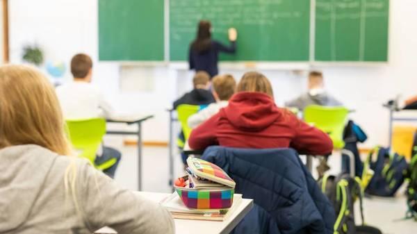 Lehrer warnen vor Durchseuchung an den Schulen
