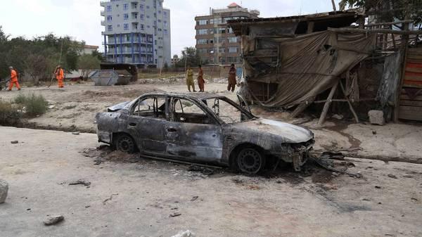 Afghanistan-News im Liveblog: IS-Ableger bekennt sich zu Raketenangriff auf Flughafen in Kabul