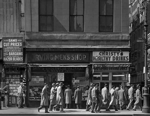 """""""Sixth Avenue between 43rd-44th streets"""" 1948. Outtake from Sixth Avenue Panel, image #8. © Todd Webb Archive."""