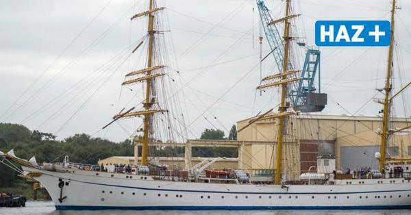 "Probefahrt: Segelschulschiff ""Gorch Fock"" verlässt Lürssen Werft"