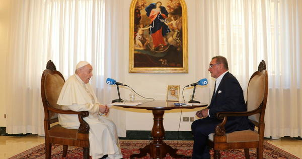 Pope Francis takes a jab at America's policy in Afghanistan - CBS News