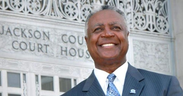 Jackson County Exec Frank White Wants $6 MILLION More For Emergency Rental Aid