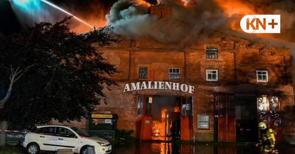 Großbrand auf Fehmarn: Scheune steht lichterloh in Flammen