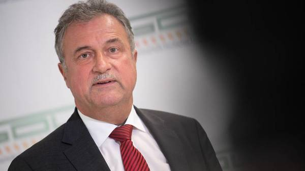 Bahnstreik geht weiter: GDL-Chef Weselsky kritisiert neues DB-Angebot