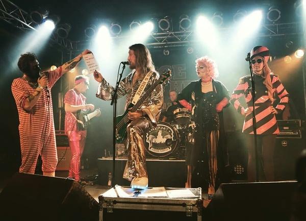 Die Band Inge & Heinz tritt am Samstag in Luckenwalde auf. Foto: Carsten Siebke