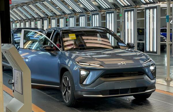 Chinese regulator takes steps to help automakers cope with chip shortage - CnEVPost