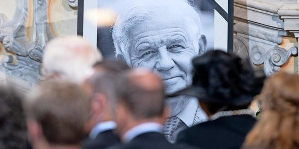 Letzte Ehre für Kurt Biedenkopf: So war der Trauerstaatsakt in Dresden