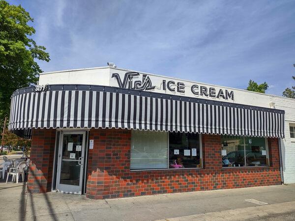 Vic's Ice Cream Parlor – Sacramento, California - Gastro Obscura