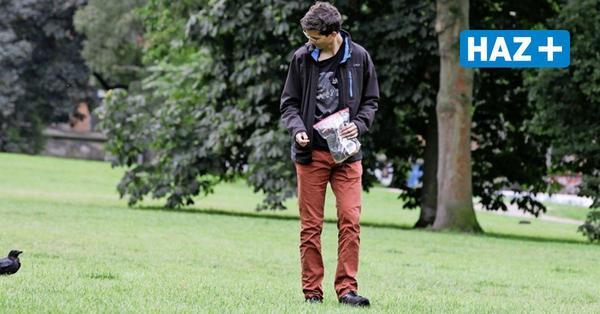 Warum ein Student in Hannover mit Krähen spazieren geht – und die Tiere ihm folgen