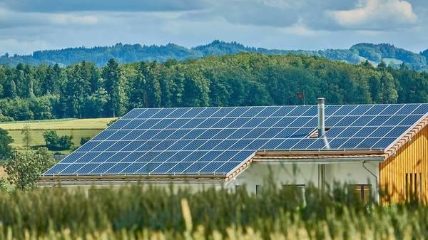 Über ein Viertel der Haushalte investieren laut Umfrage in die Energiewende