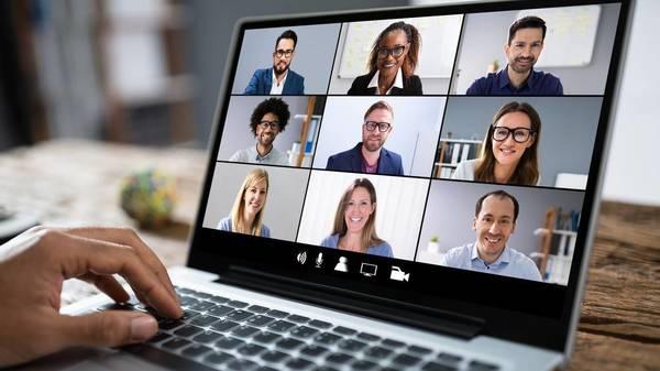 """Zoom Dysmorphia"": Wie Videokonferenzen unser Selbstbild verzerren"
