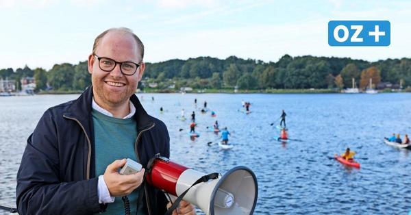 Brücke über die Warnow in Rostock: Wassersportler zeigen, wo sie zur Buga stehen soll