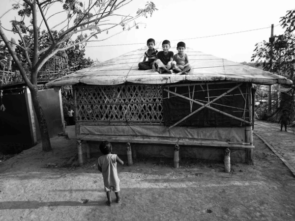 We live in small houses by Zahangir Alam