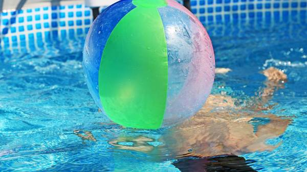 Pool bauen: Braucht man eine Genehmigung für den Poolbau auf dem eigenen Grundstück?