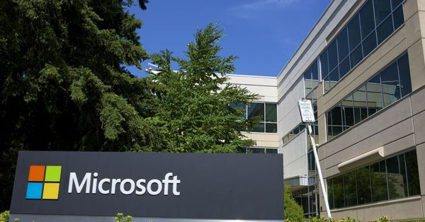Microsoft gives up predicting when its US offices will fully reopen