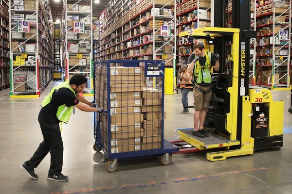 Amazon to cover 100% of college tuition for U.S. hourly employees