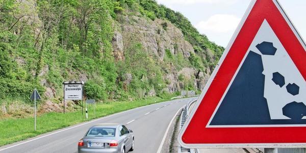 Drohende Felsabstürze im Kreis Holzminden: Freigabe der B83 dauert noch