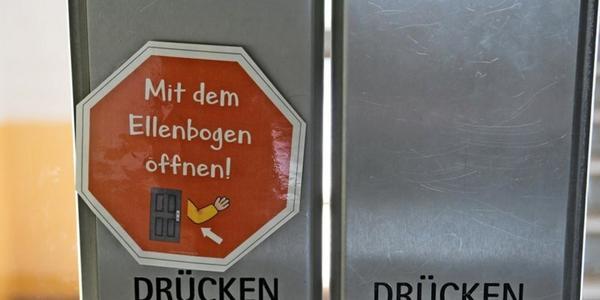 "Kultusministerium: Infektionsniveau in Schulen auf ""erfreulich niedrigem Niveau"""