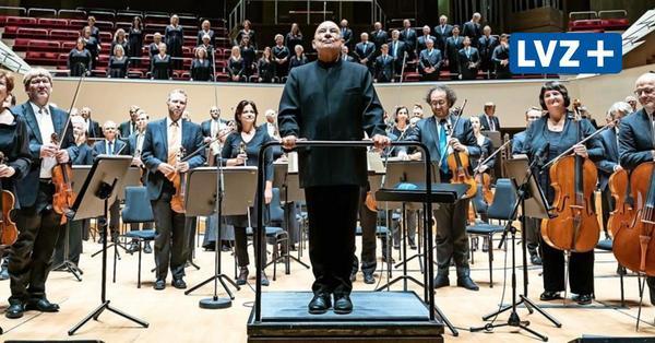 ennis Russell Davies eröffnet mit Werken von Anton Bruckner und Arvo Pärt im Leipziger Gewandhaus die neue Spielzeit der MDR-Klangkörper