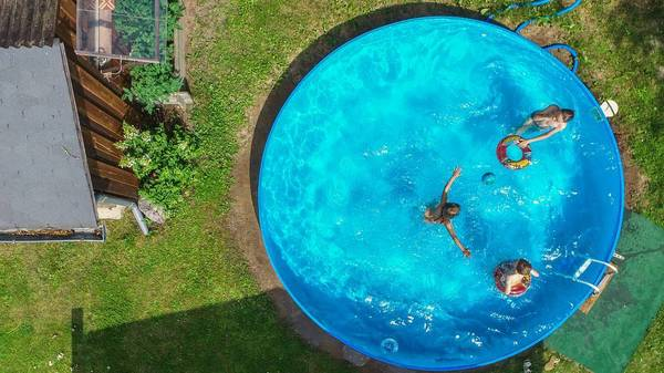 So machen Sie Ihren Pool winterfest