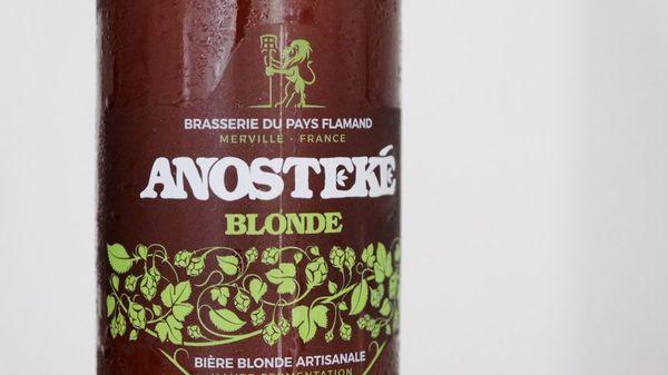 La bière Anosteké, brassée à Merville, sacrée meilleure bière blonde au monde - Anosteké, gebrouwen in Merville uitgeroepen tot beste blond bier ter wereld