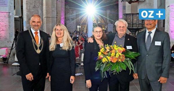 """Stadtsanierer Peter Boie ist Stralsunder Ehrenbürger – """"Fast jede Ecke trägt deine Handschrift"""""""