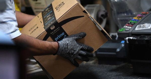 Amazon hikes starting pay to $18 an hour