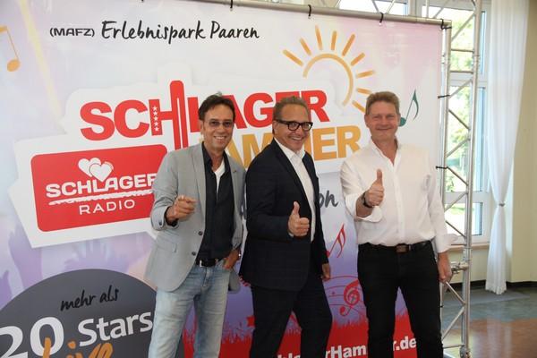 Wolfgang Ziegler, Enrico Knack und der Schönwalder Bürgermeister Bodo Oehme (v.l.). (Foto: Andras Kaatz)