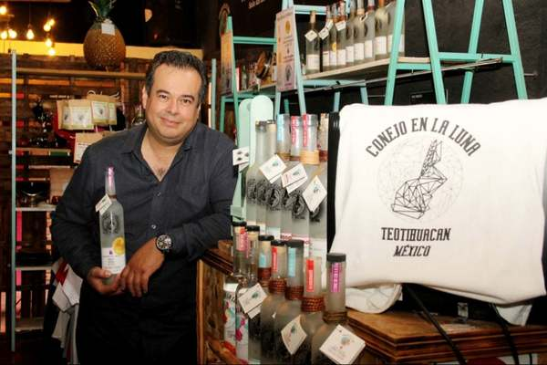 This entrepreneur is rescuing the essence and culture of traditional mezcal while promoting local producers