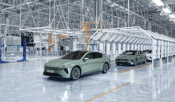 First tooling trial prototypes of NIO ET7 roll off line - CnEVPost