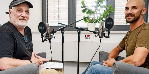 """Fußball-Podcast """"Holstein eins zu eins"""" mit Fußballgott Patrick Hermann"""