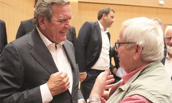 Gerhard Schröder über Porzellanvasen, Podcasts und Putin - Heidekreis - Walsroder Zeitung