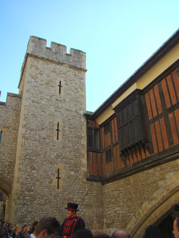 """""""Tower of London alley"""" by Anita363 is licensed under CC BY-NC 2.0"""