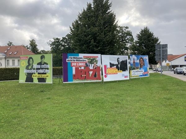 Wahlplakate in Bad Doberan (Foto: Anja Levien)