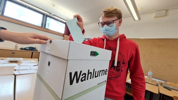 Stimmabgabe bei der Juniorwahl in Hartha. Foto: Sven Bartsch