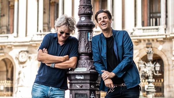 Matthijs van Nieuwkerk en Rob Kemps in Parijs | © Floris van Bergen