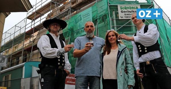 Richtfest: Historisches Wohn- und Geschäftshaus in Wolgast erneuert