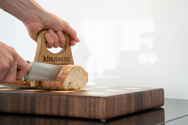 Brothalter | Hygienische Lösung zum Brotschneiden |