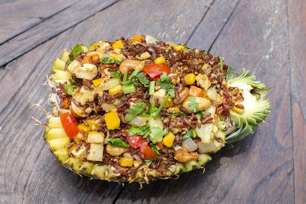 Zilvervliesrijst met groente en tofu
