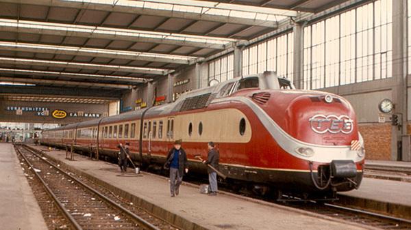 Trans-Europ-Express im Technikmuseum: Der TEE kommt nach Berlin - aber nur zu Besuch -