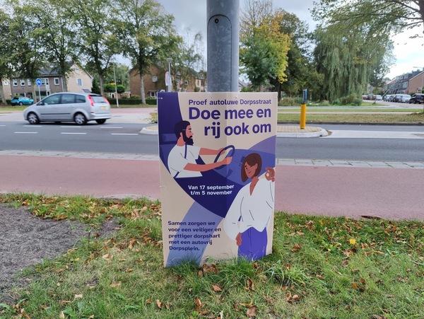 De borden moeten aangepast worden, want de proef is ingekort. © nieuwsuitcastricum.nl