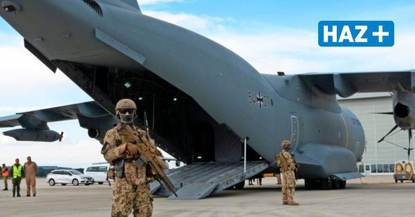 Evakuierung aus Kabul: Bundeswehrsoldaten blicken am Fliegerhorst Wunstorf auf den Einsatz zurück