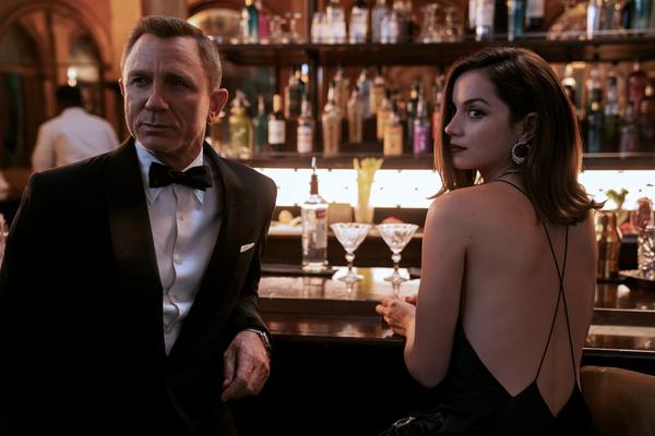 James Bond 007 - Keine Zeit zu sterben. Foto: Nicola Dove/Universal Pictures/dpa