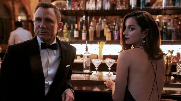 """Sexismus bei James Bond: """"Wenn, dann gehören die Filme mit Daniel Craig in den Giftschrank"""""""