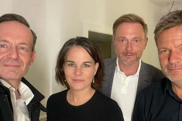 Grüne-gelbe Koalition (Foto: Wissing, links)