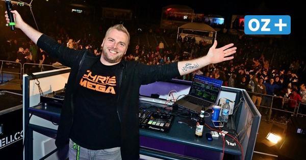 Mallorcaparty auf Rügen: DJ Chris Mega, Carolina und Almklausi heizten in Bergen ein