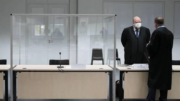 96-jährige ehemalige KZ-Sekretärin flieht vor ihrem Prozess - und wir gefasst