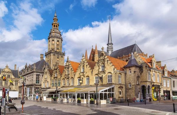 La population du Furnes est la plus âgée de l'Union européenne  - Veurne heeft oudste bevolking van Europese Unie