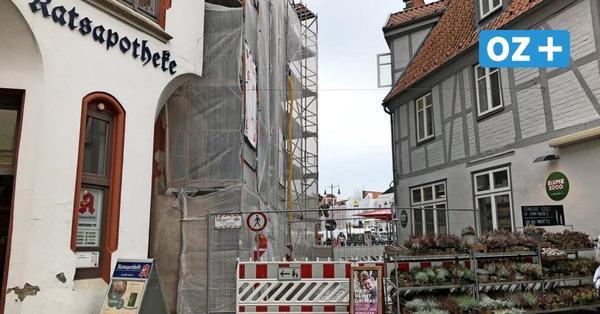 Durchgang zum Marktplatz in Wismar aus Sicherheitsgründen gesperrt